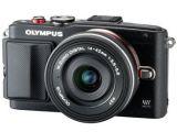 Olympus E-PL6 Expression Kit czarny + ob. 14-42 ED czarny + Karta Flash Air 8 GB SD