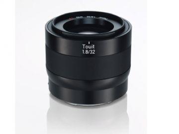 Carl Zeiss Touit 32 mm f/1.8 T / Sony E