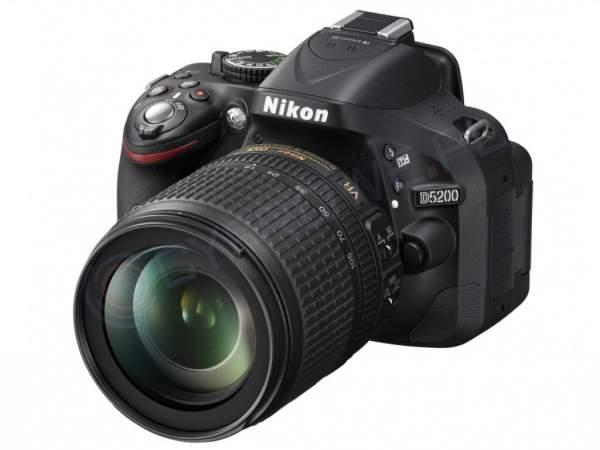 Lustrzanka Nikon D5200 czarny + ob.18-105 VR