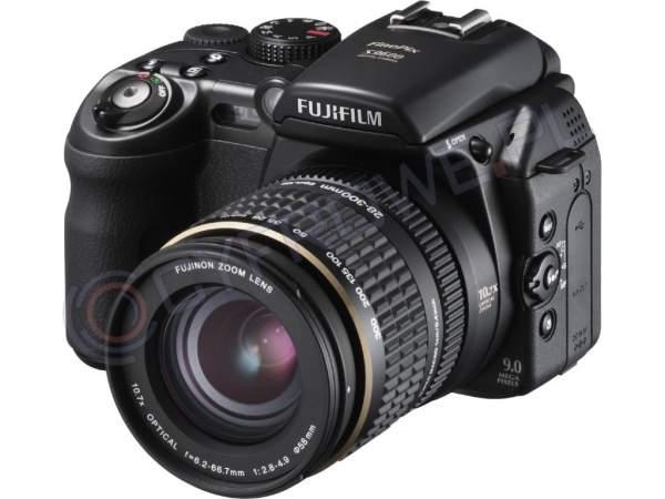 Aparat cyfrowy FujiFilm FinePix S9600
