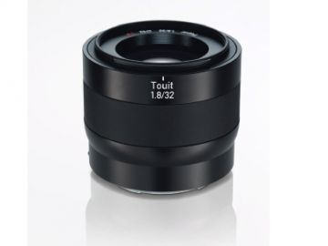 Carl Zeiss Touit 32 mm f/1.8 T / Sony E