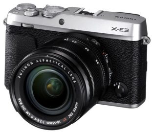 FujiFilm X-E3 srebrny + ob. 18-55 mm f/2.8-4.0 czarny + pokrowiec gratis